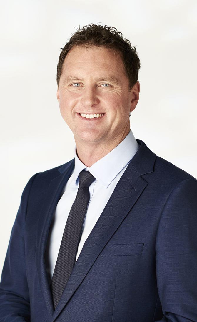 Andrew smith real estate agent melbourne