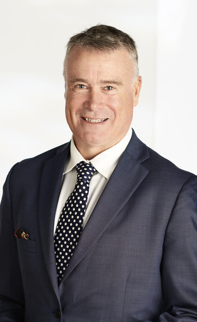 Geoff hall real estate agent melbourne