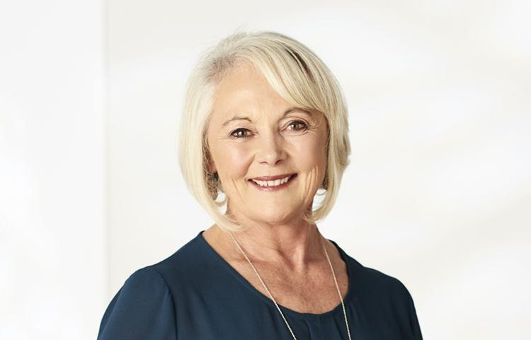 Prue mclaughlin real estate agent flinders