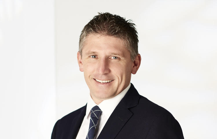 Mark mckenzie real estate agent south yarra