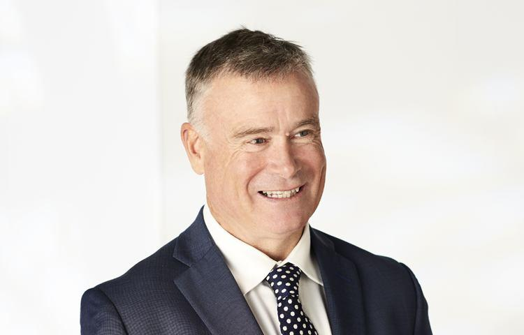 Geoff hall real estate agent hawthorn