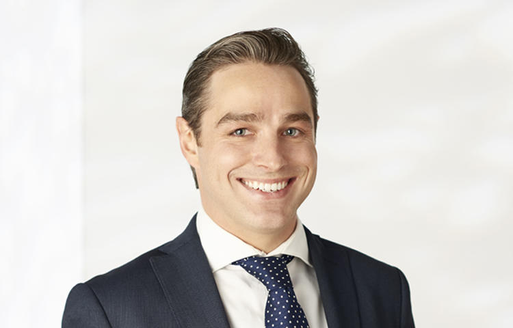 Julian standish real estate agent south yarra